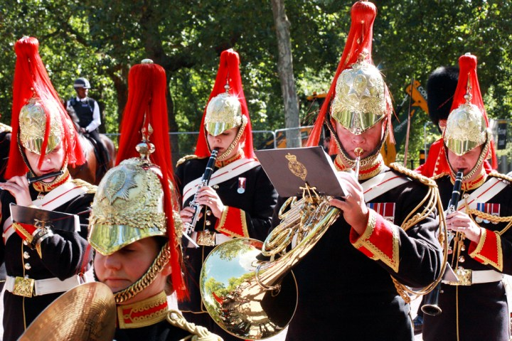 How to watch Changing the Guard in London