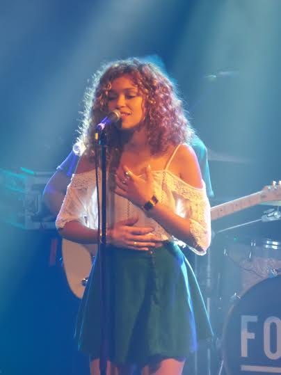 Izzy Bizu - Photo Credit Steve Holley