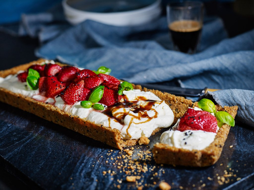 Cheesecake Tart with Baked Strawberries & Sweet Balsamic Dressing