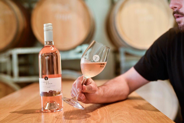 Wine Tasting at Ringer Reef winery