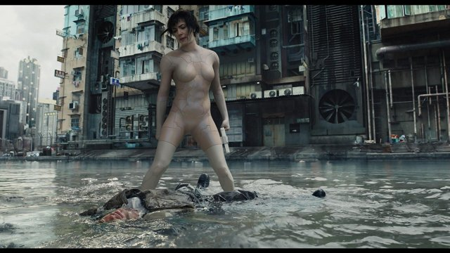 la major avec son camouflage optique dans Ghost in the Shell