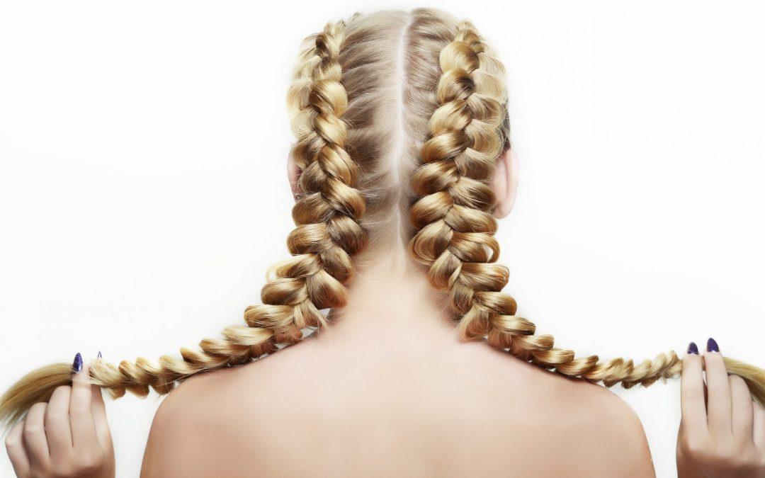 4 coiffures protectrices pour protéger vos cheveux cet hiver