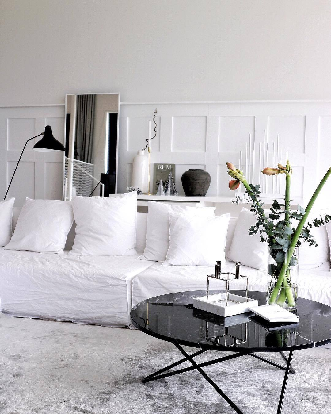 Basic Tips On Installing A Large Wall Mirror The Modern