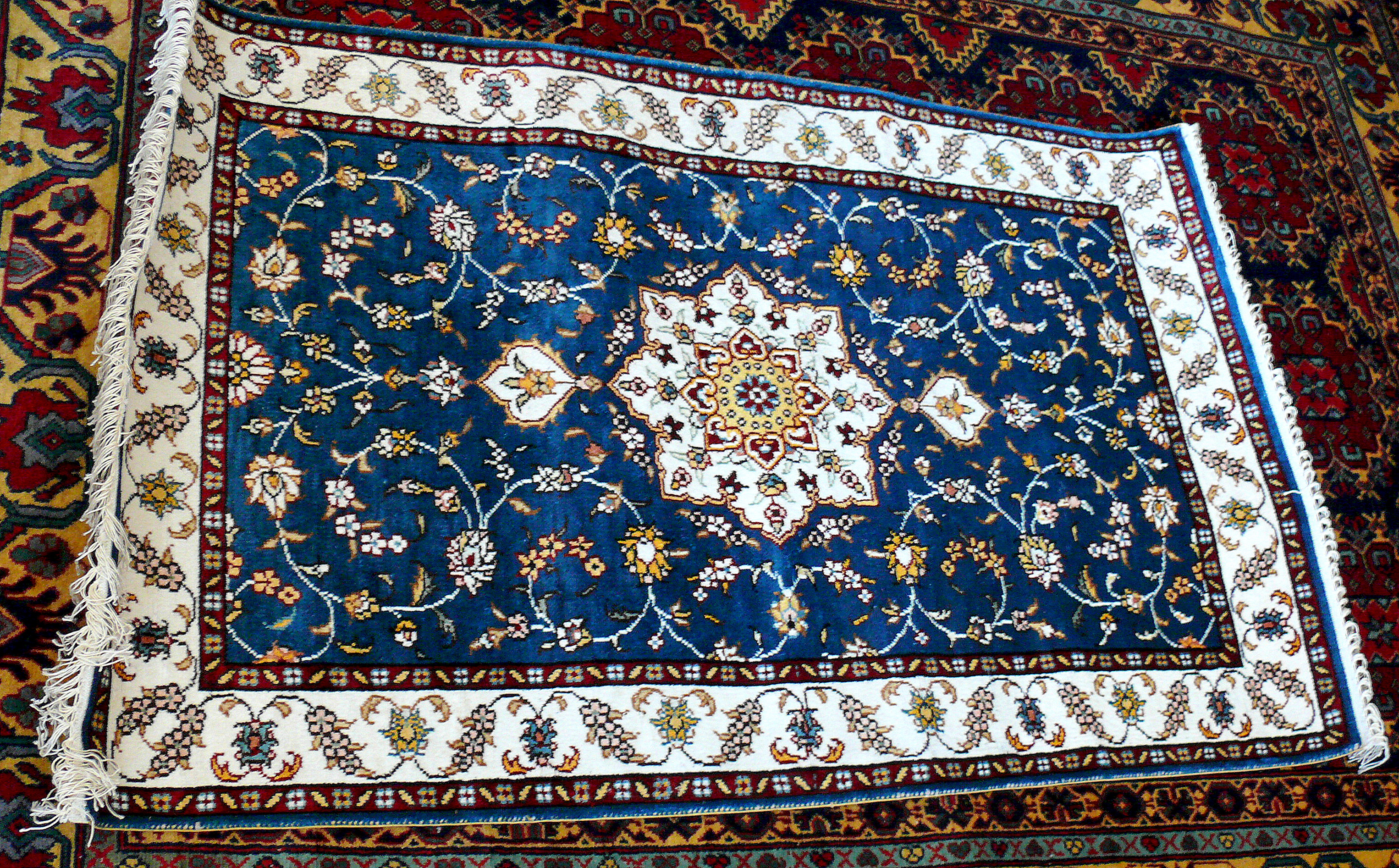 Azerbaijani Carpets: 9 things you need to know about them