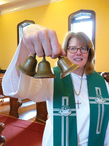 Brookdale Church brings another bell back to Bloomfield