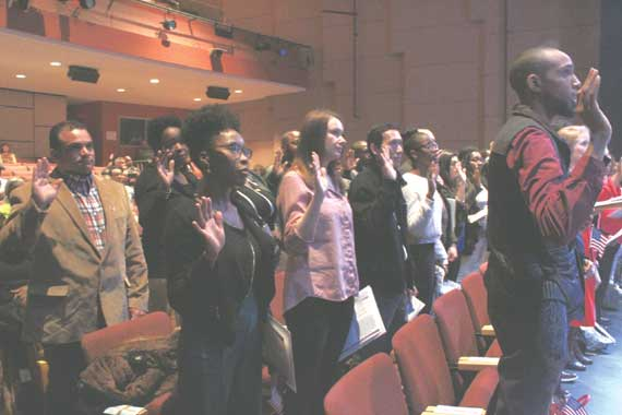 29 become U.S. citizens in S.O. ceremony
