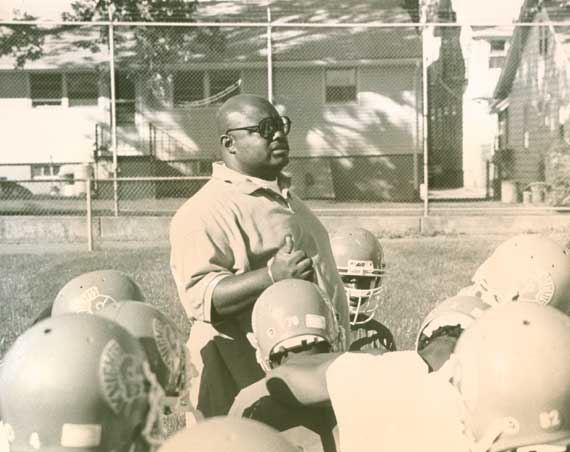 Former head coach Gil Bragg recalls special 1995 Irvington HS football team that is part of the 2019 IHS Hall of Fame induction class