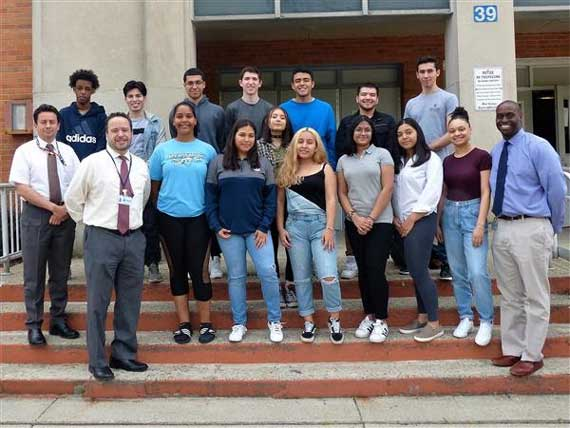 28 WOHS students receive New Jersey Seal of Biliteracy