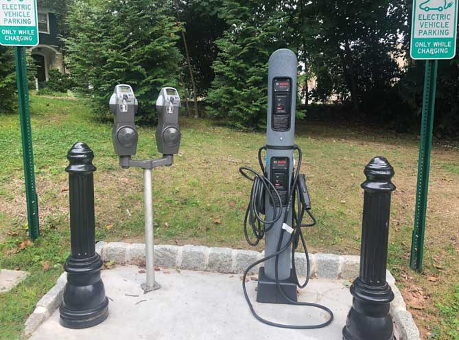 TC discusses electric vehicles, their charging stations