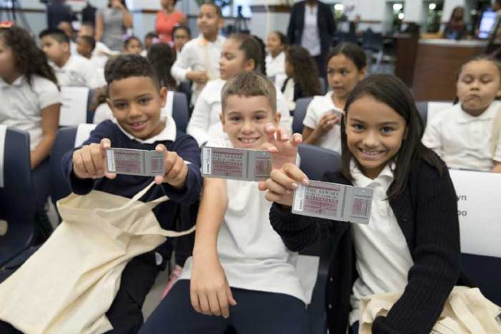 Newark Library gives every public school student, teacher a library card