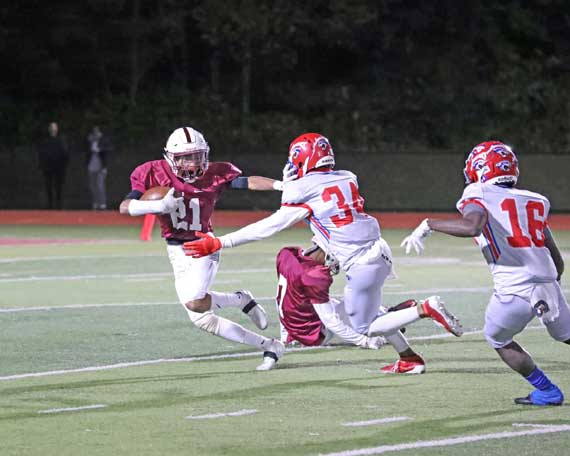 Bloomfield HS football team to visit Dickinson in season finale