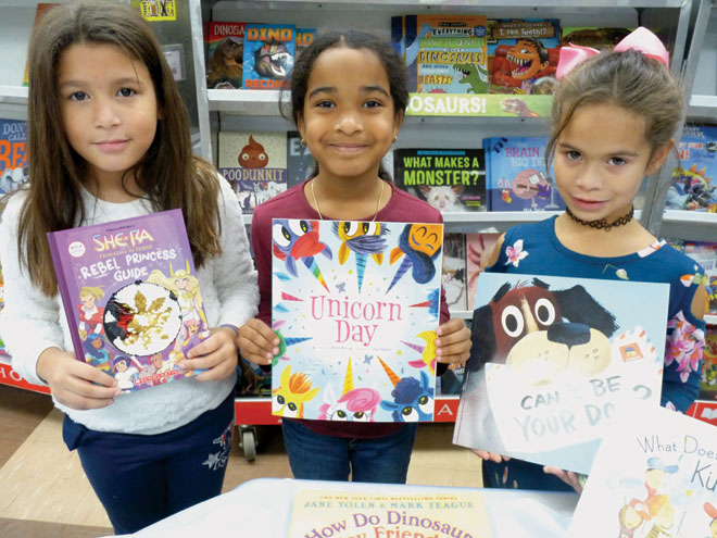Carteret Elementary students enjoy annual book fair