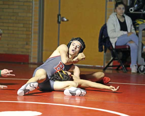Bloomfield HS wrestling team rolls to district tournament after stellar 25-6 dual-meet season