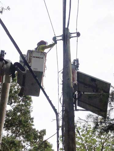 Electric utility helps those affected by prolonged power outage