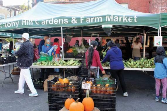 A strong farmers market season despite pandemic