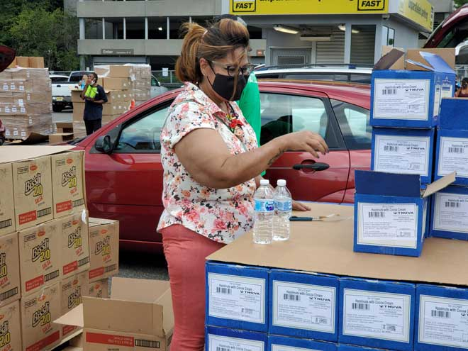 UCC delivers 14 days worth of food to COVID-infected families