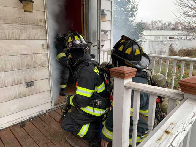 Maplewood firefighters train in advancing hand lines, search and rescue