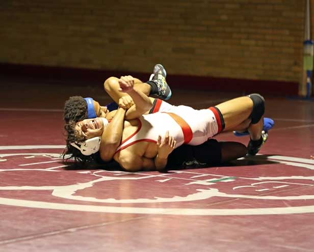 Bloomfield wrestlers beat Irvington 42-33