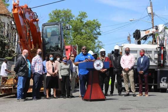Vauss announces major street-paving, striping program in Irvington