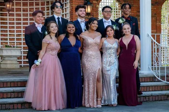 West Orange High School seniors dazzle at prom
