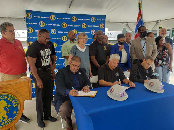 County executive announces project labor agreements for three major construction projects