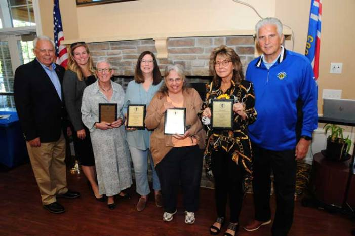 Bloomfield and Glen Ridge residents receive awards in Essex art show