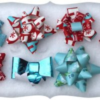 DIY Gift Bows Using Recycled Wrapping Paper!
