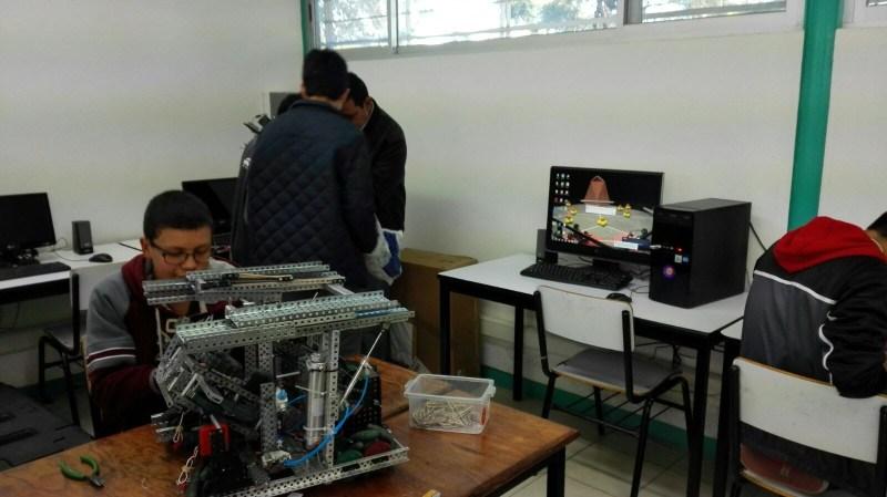 Trabajando en el Robot