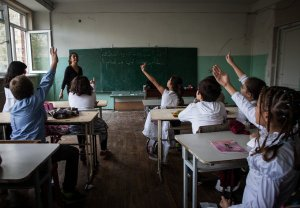 Escola síria em funcionamento na Armênia. Foto de Diana Markosian