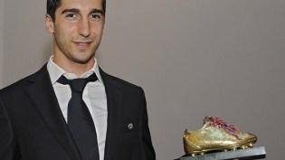 O médio-ofensivo do Shakhtar, Henrikh Mkhitaryan, foi eleito Jogador Arménio do Ano pela terceira vez, terminando à frente de Yura Movsisyan e de Aras Özbiliz