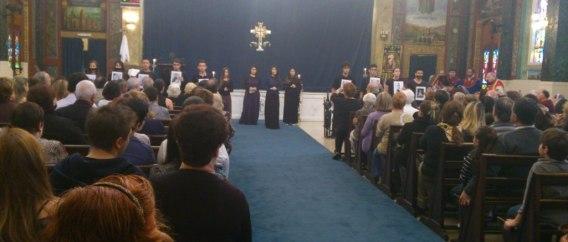 Alunos do EJB em apresentação na igreja