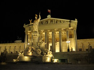 Austrian_Parliament_Building_by_night