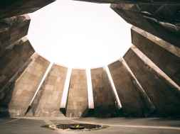 Tsitsernakaberd-Armenian-Genocide-Memorial-5