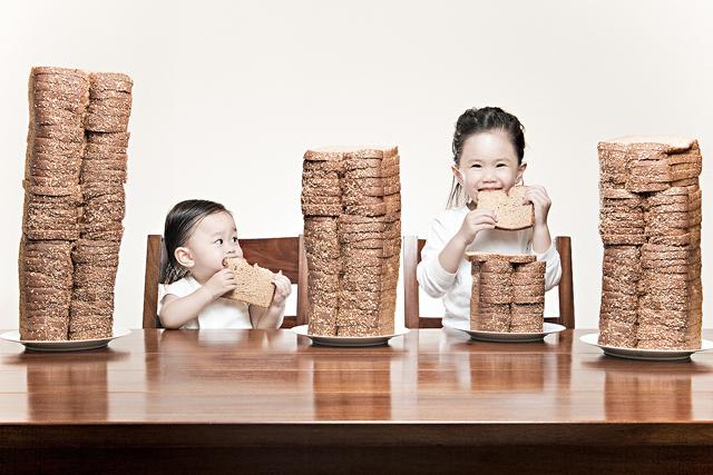 Las divertidas fotografías de Jason Lee, bread winner