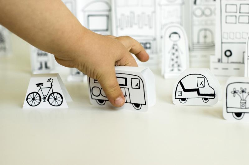 Vehículos de papel para jugar, de made by joel (plantilla descargable)