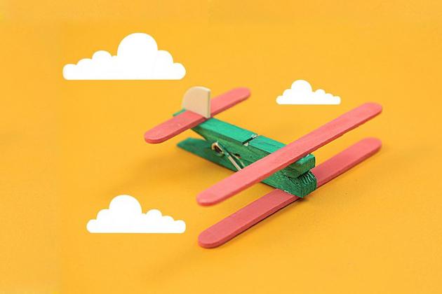 Manualidades con palitos de helado. Aviones