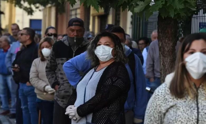 Photo of Los argentinos sacaron más de USD 300 millones de los bancos en los primeros días de septiembre