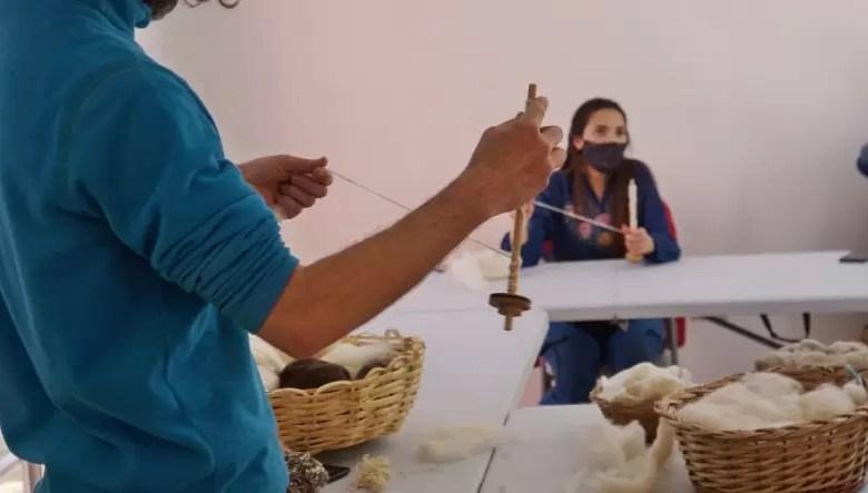 Photo of El Mercado Artesanal lanza nuevos cursos de oficios para artesanos