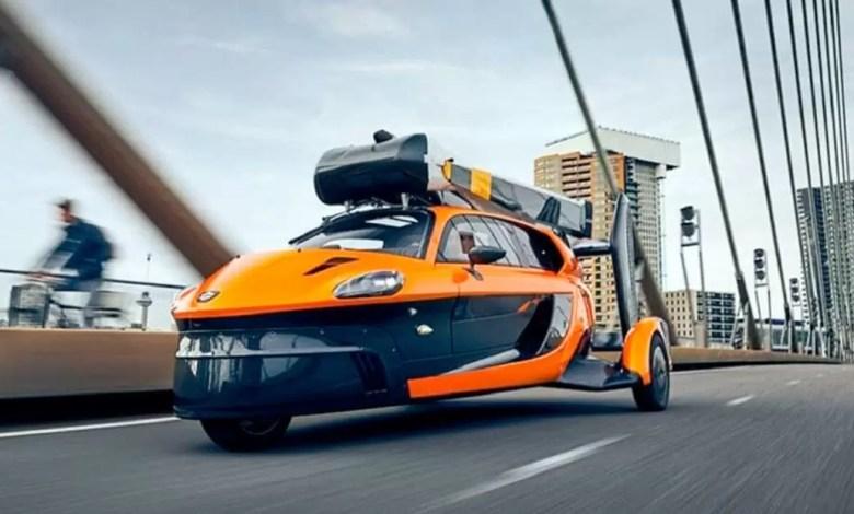 Photo of Volver al Futuro se hizo realidad: sale a la venta el primer auto volador