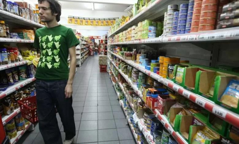 Photo of Fallo de la Corte: los supermercados alertan que peligran 10.000 empleos por el cierre dominical