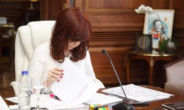 Photo of CFK declaró que la causa «es un disparate» y apuntó a Macri