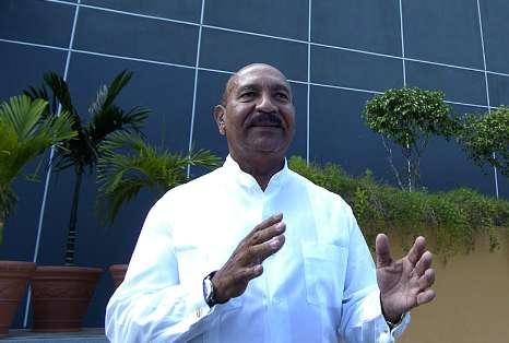 Carlos Mendez alcalde del pueblo de Aguadilla.