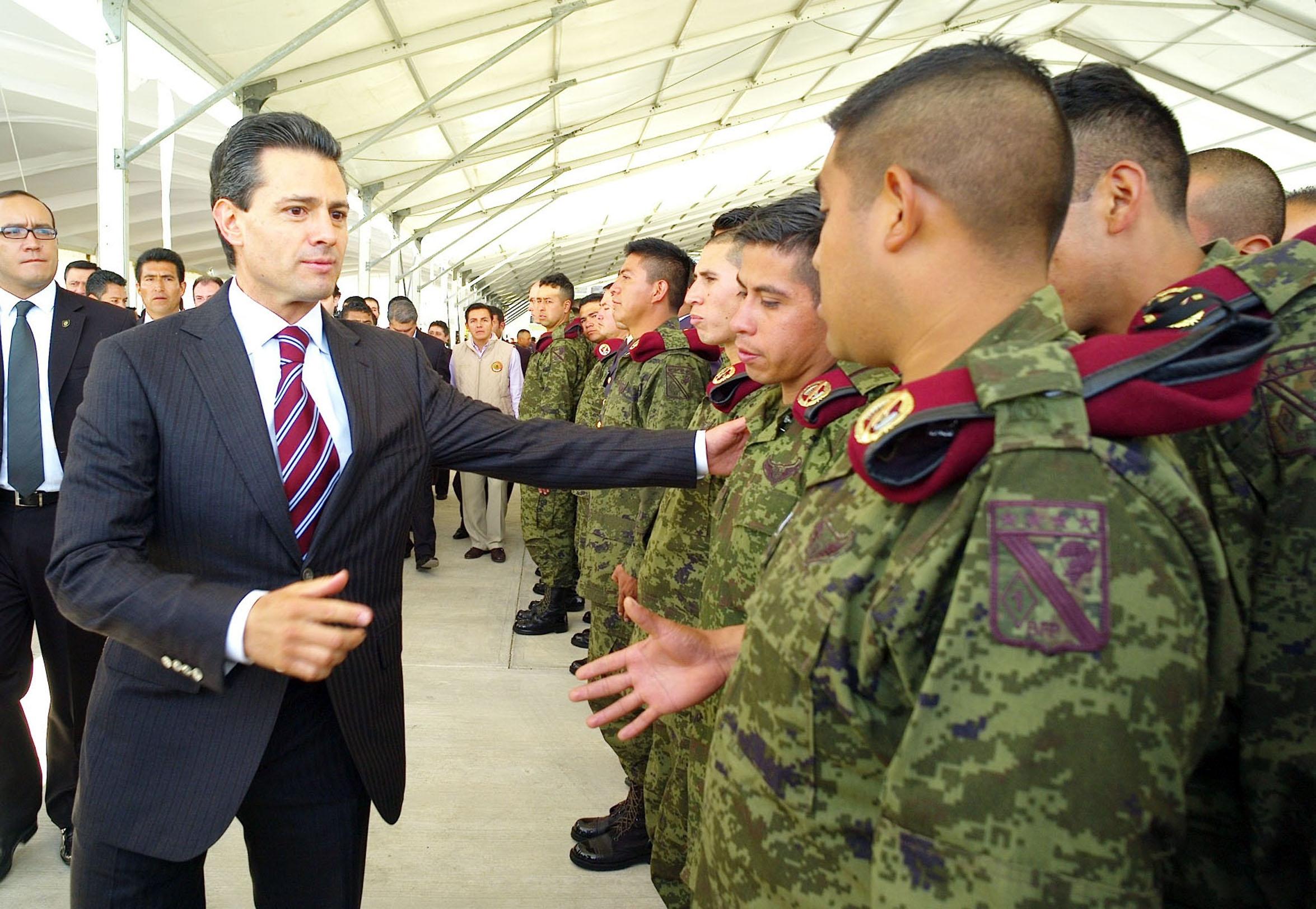 cuanto gana un medico militar en mexico