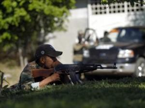 Las autodefensas siguen ocupando municipios. Foto: Especial