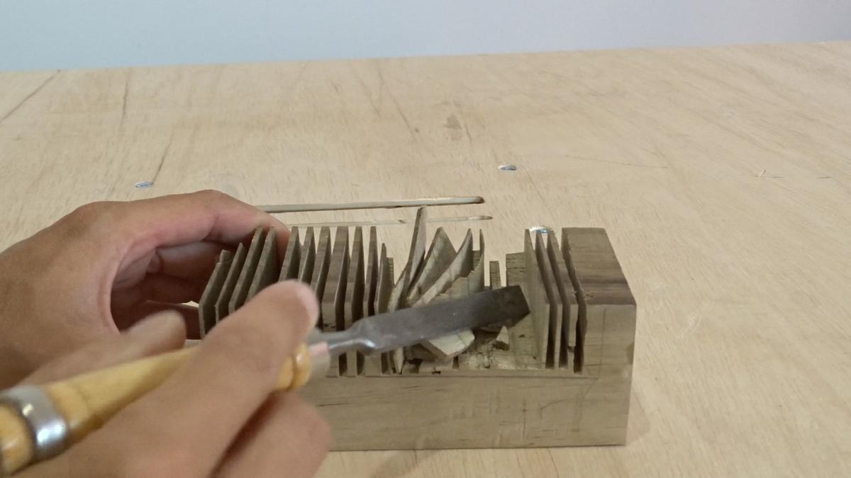 Como hacer un toallero de madera   DIY towel holder 4