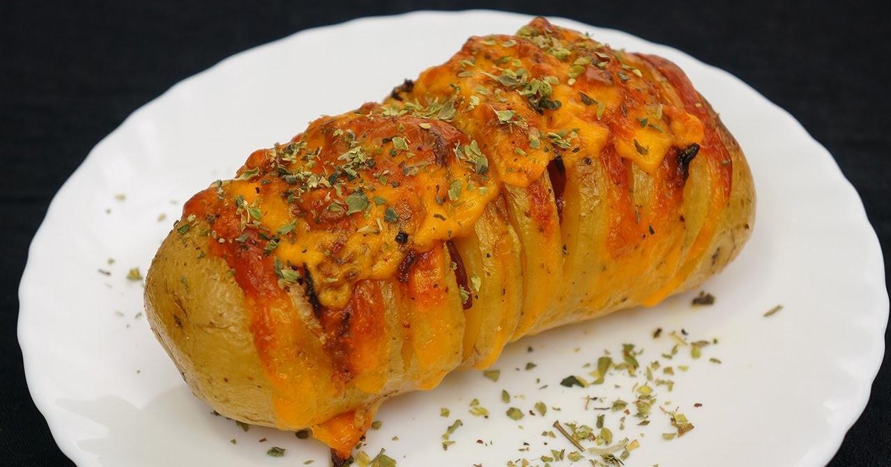 Patatas hasselback rellenas de bacon y queso cheddar  Cocina