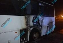 Foto de Camión de transporte de personal de KEKÉN se incendia