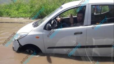 Foto de Bache-piscina en Kanasin atrapa coche