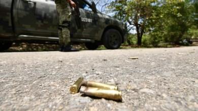 Foto de Un policía de investigación y sus dos hijos son asesinados en carretera de Almoloya, Edomex