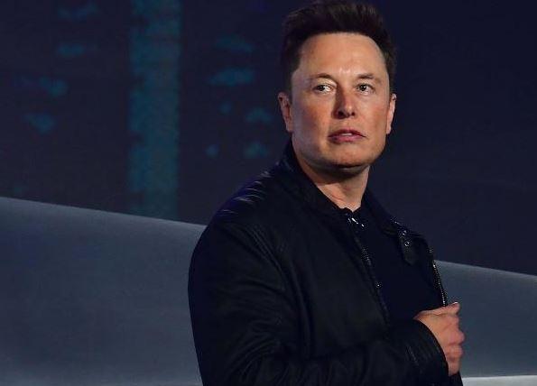 Foto de Elon Musk se volvió más rico que Warren Buffett